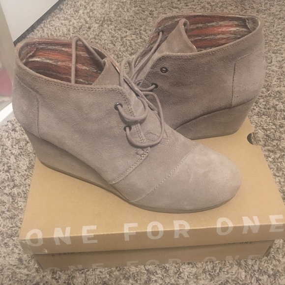 Toms Shoes - Toms Suede Desert Wedges